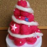 クリスマスツリーは手作りで 100均毛糸が大変身!