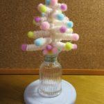 毛糸で作る簡単ツリー ストローがクリスマスツリーに大変身!