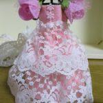 ドールハウス100均の造花を使った簡単お姫様ドレスの作り方